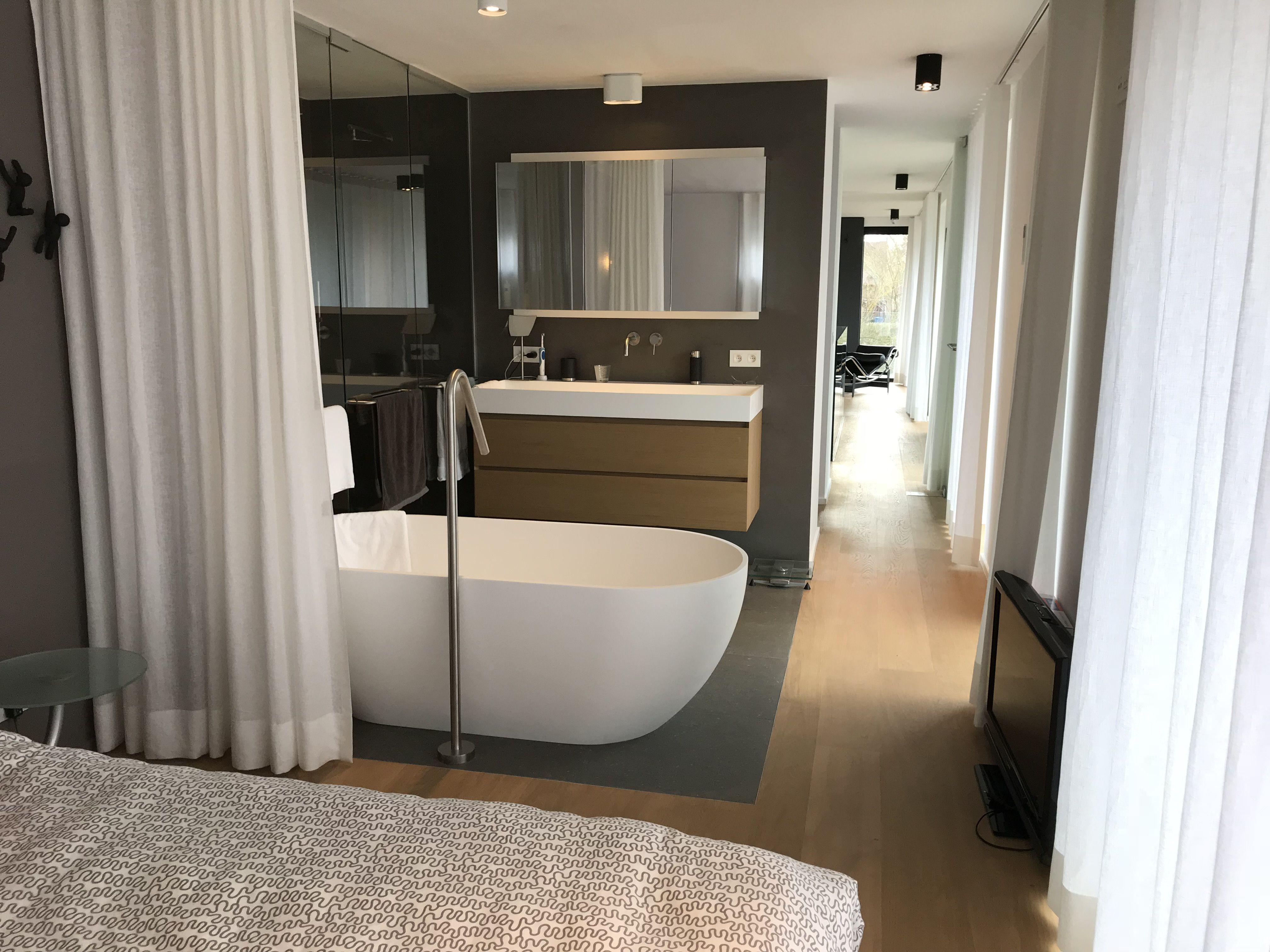 Gordijnen Voor Badkamer : Open badkamer gordijnen in wit linnen verilin douche en wc