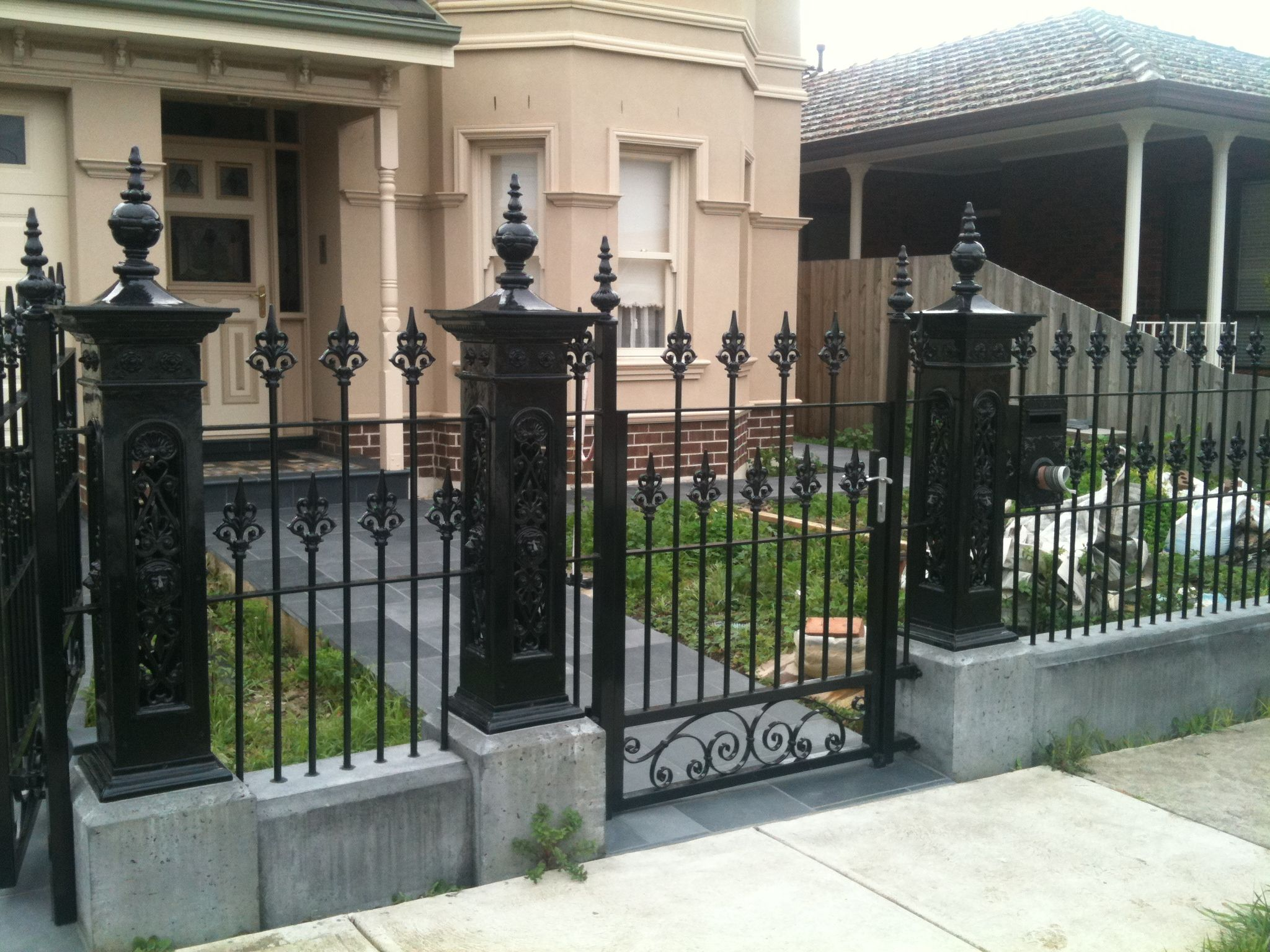 Front Wrought Iron With Images Iron Fence Wrought Iron Fences