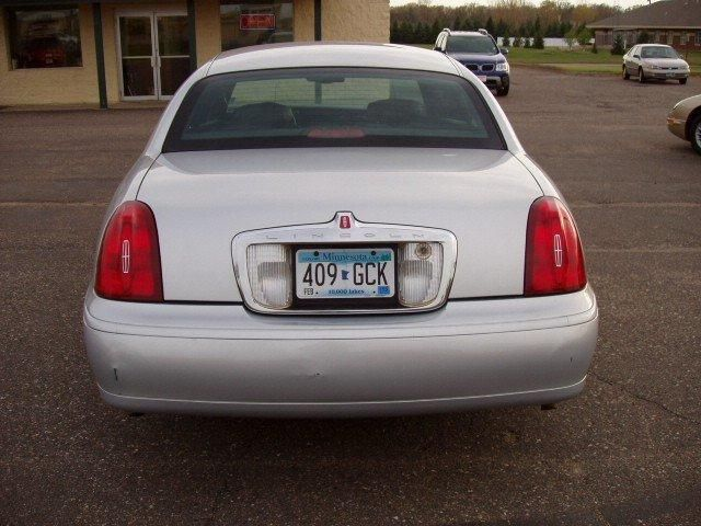 Tail Light 2000 Lincoln Town Car Http Www Featuredcars Images