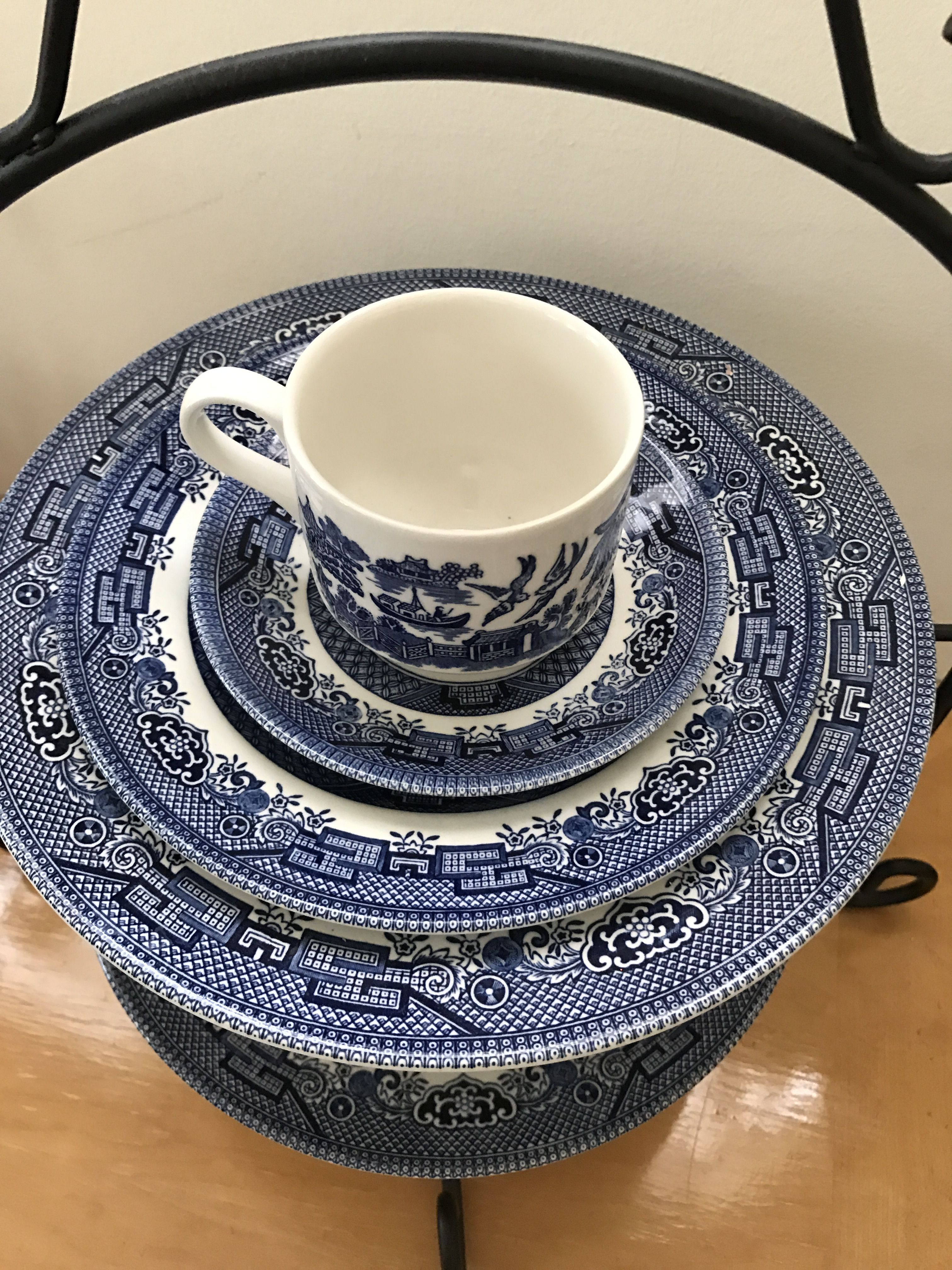 Blue Willow My Everyday China Churchill Blue Willow China Pattern Blue Willow Willow Pattern