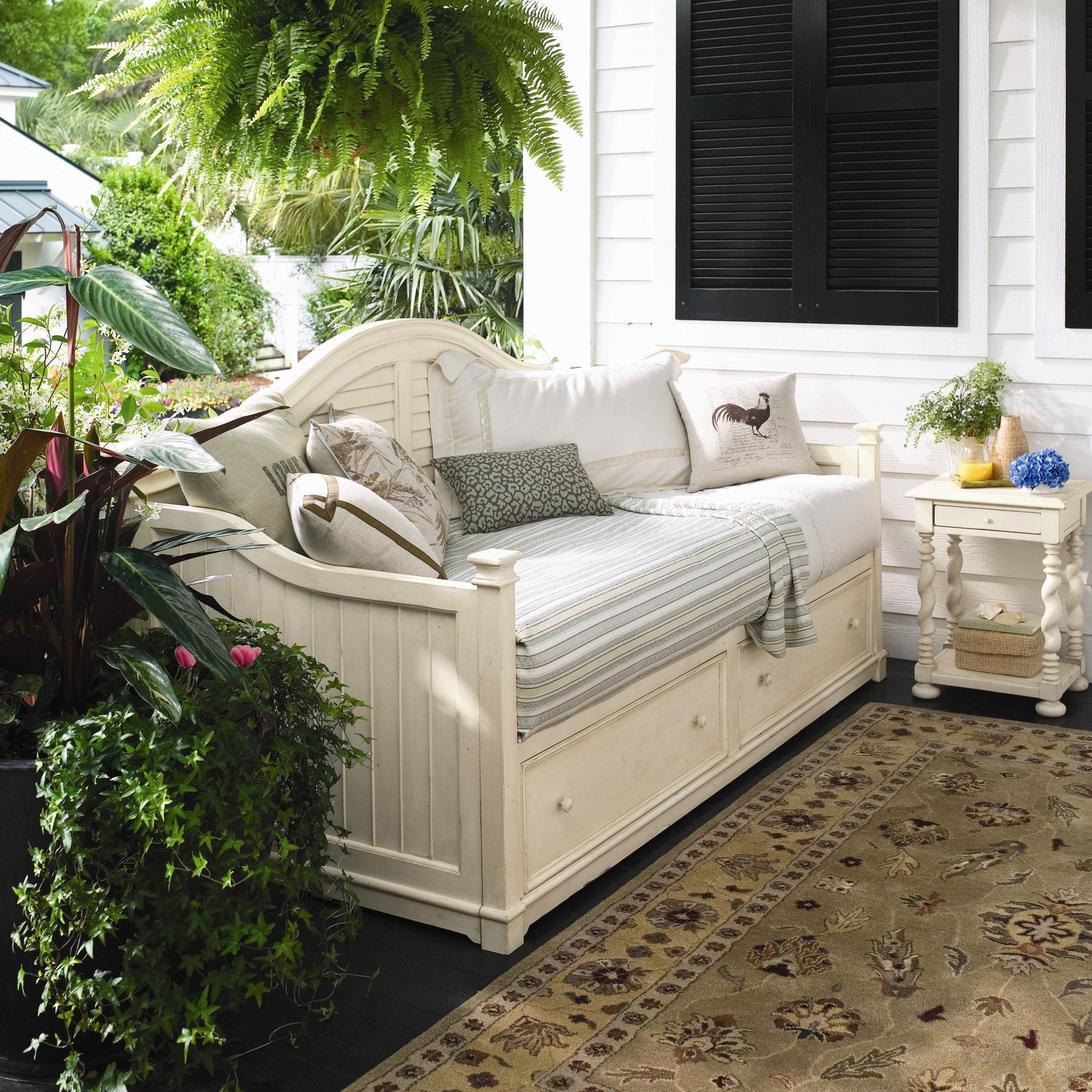 L♥VE IT!!!!! Paula Deen Home Steel Magnolia Day Bed with