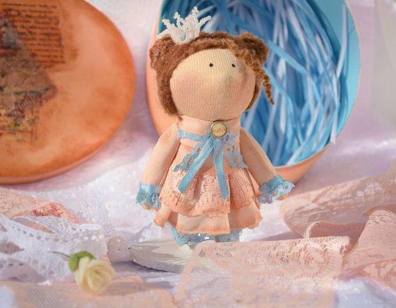 Art doll cloth / fabric artistic peach stuffed by CONFETTIdiPEZZA