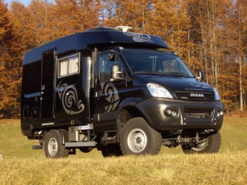 iveco daily 55s18 4x4 off road black edition panel van pinterest 4x4 vehicle and. Black Bedroom Furniture Sets. Home Design Ideas