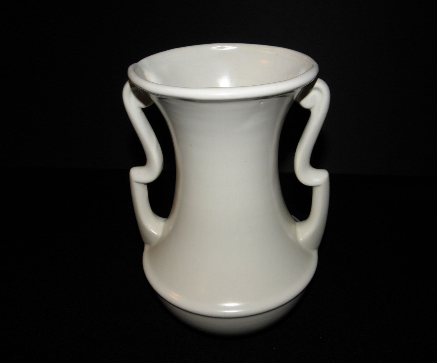 Vintage large gonder pottery art deco matte white double scrolled vintage large gonder pottery art deco matte white double scrolled handle vase circa 1940 reviewsmspy