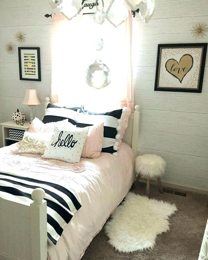 Pin By Faten Sameer On Rays Room Rose Gold Bedroom Black White And Gold Bedroom Tween Girl Bedroom