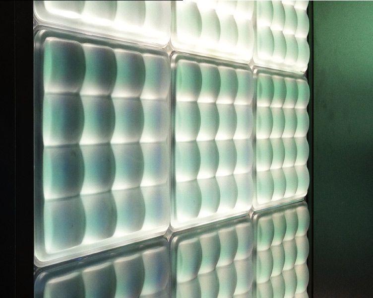 la brique de verre lumineuse de fred fred in 2019 glasoberfl chen gegossen brique verre. Black Bedroom Furniture Sets. Home Design Ideas