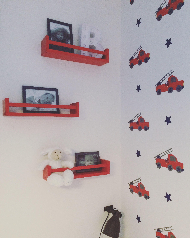 Kinderkamer kinderzimmer rood red rot boysroom Ikea keukenrekje ...