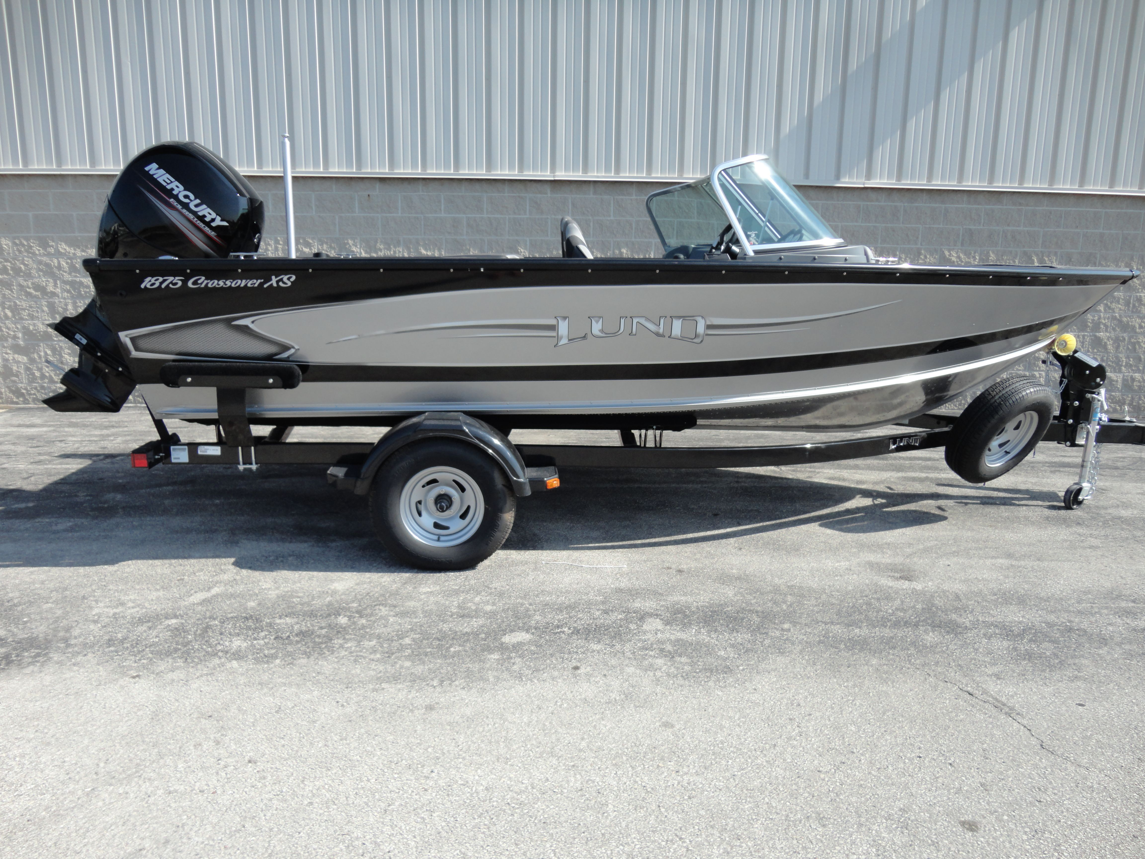 2014 lund 18 crossover is a fish and ski boat this is great for any 2014 lund 18 crossover is a fish and ski boat this is great for any family publicscrutiny Images