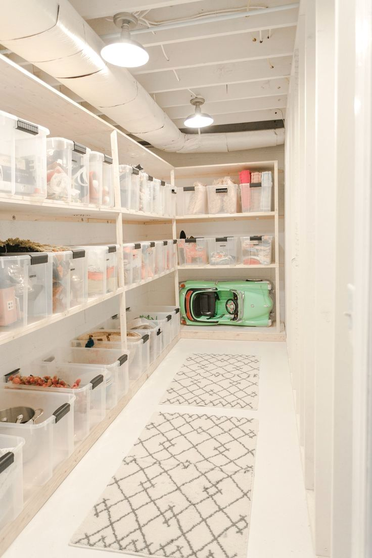 Hello Hello I Am So Excited Because Today I Finally Get To Reveal My Storage Room Makeover Piece De Rangement Remodelage Sous Sol Et Rangement Au Sous Sol