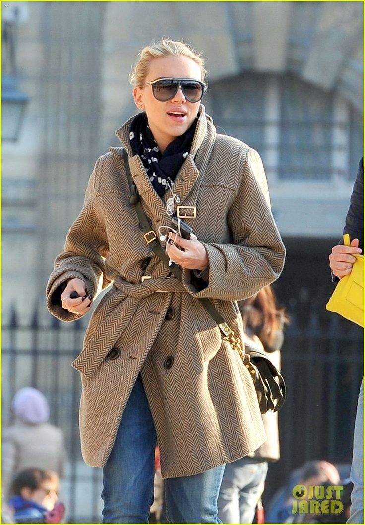 5 casual street style outfits of Scarlett Johansson ...