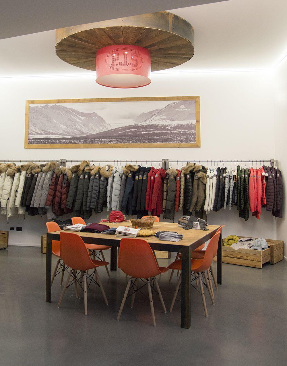 Showrrom in Milan Parajumpers showroom rinovodesign