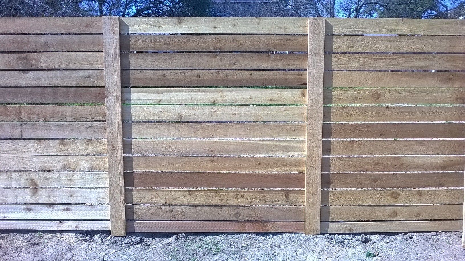 6 Tall Horizontal 1x6 Cedar W Galvanized Steel Posts Trimmed Out One Side Small Spacing On 1x6 Wood Fence Fence Good Neighbor Fence