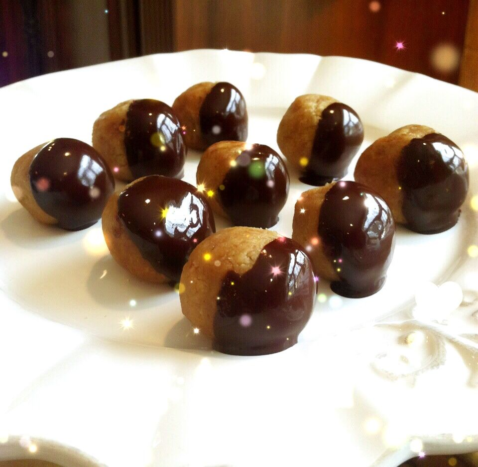 Talia Fuhrman » Blog Archive » Peanut Butter Coconut Chocolate Truffles & Sparkle Talk