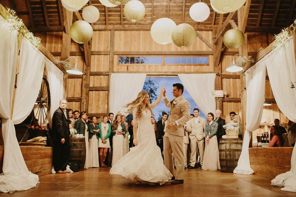 Barn Wedding Venues In Western New York Hayloft The Grove East Aurora