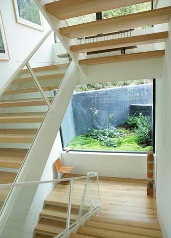 The Hoke House is by architect Jeff Kovel via 'Skylab Architecture' it's  4300 squares