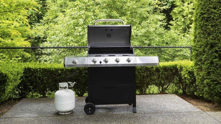 9 Ways To Clean Repair And Restore Your Old Outdoor Gas Grill With Images Gas Grill