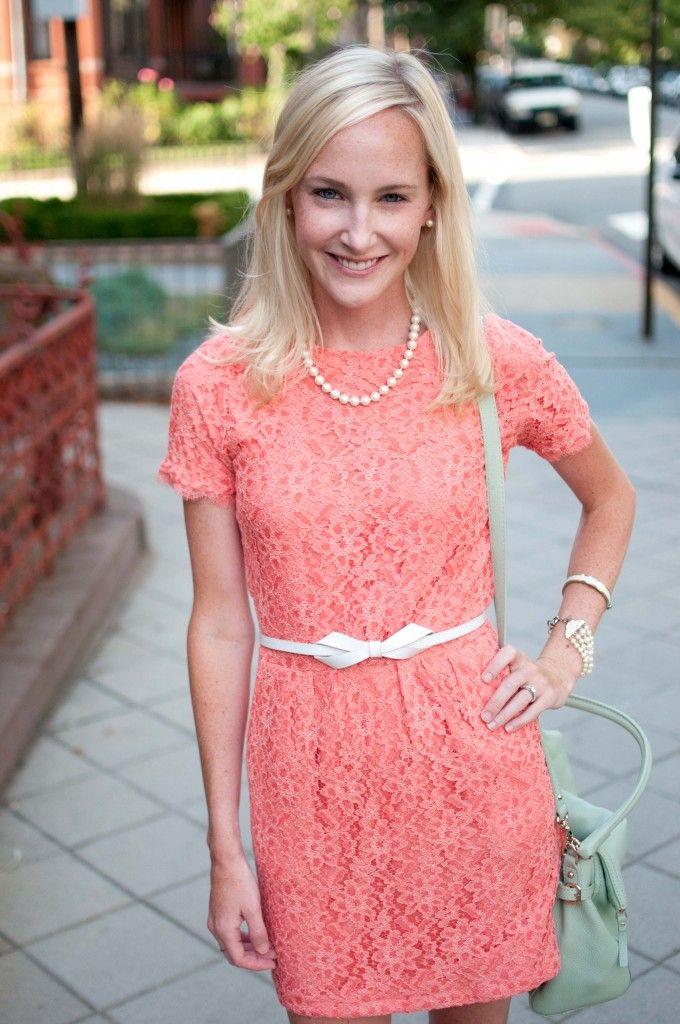 Lace dress. Fashion blogger Fashion