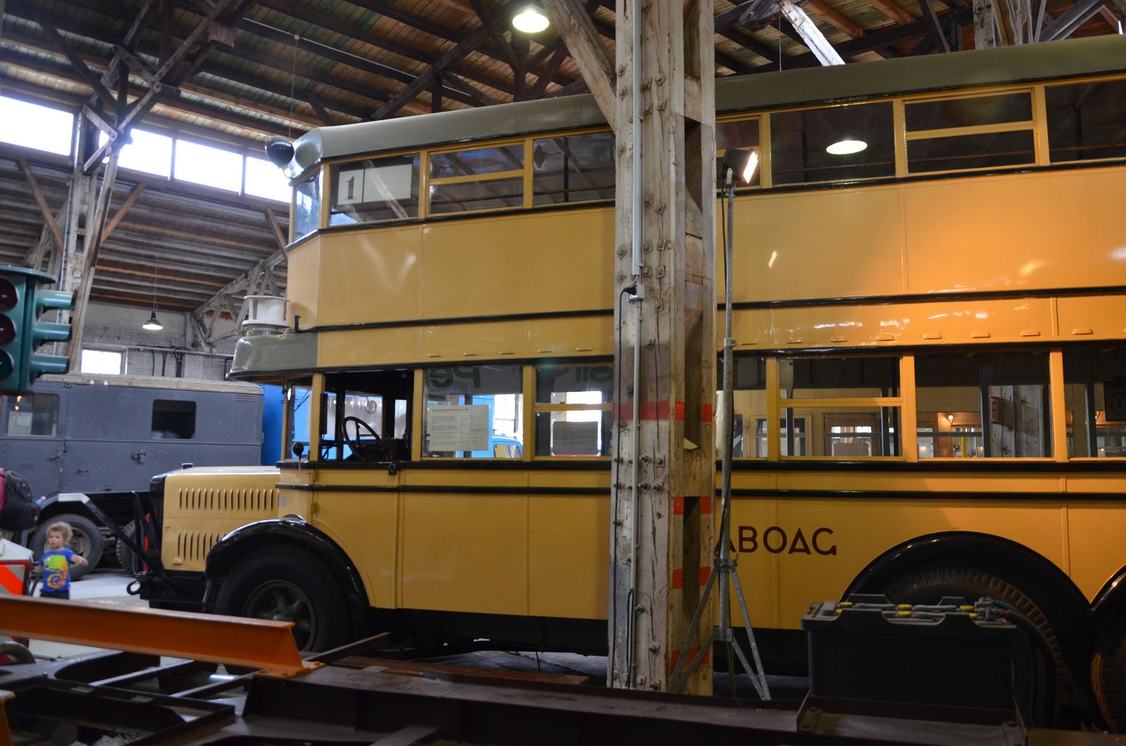 historische busse dtm depot transports urbains et fer oeffentliche verkehrsmittel u. Black Bedroom Furniture Sets. Home Design Ideas