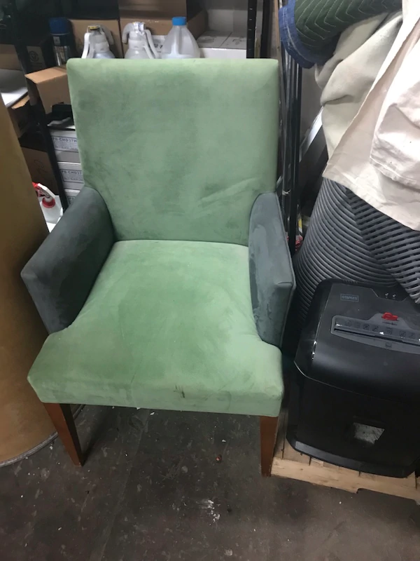 Used Chair For Sale In Chicago Letgo In 2020 Chairs For Sale Used Chairs Chair