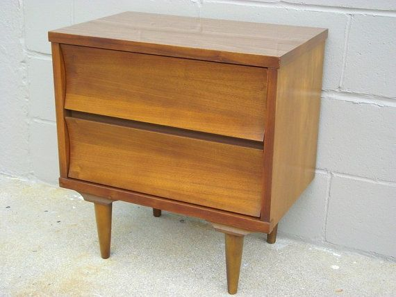 High Quality Mid Century Night Stand   Side End Table Johnson Carper Walnut   Tapered Peg  Leg