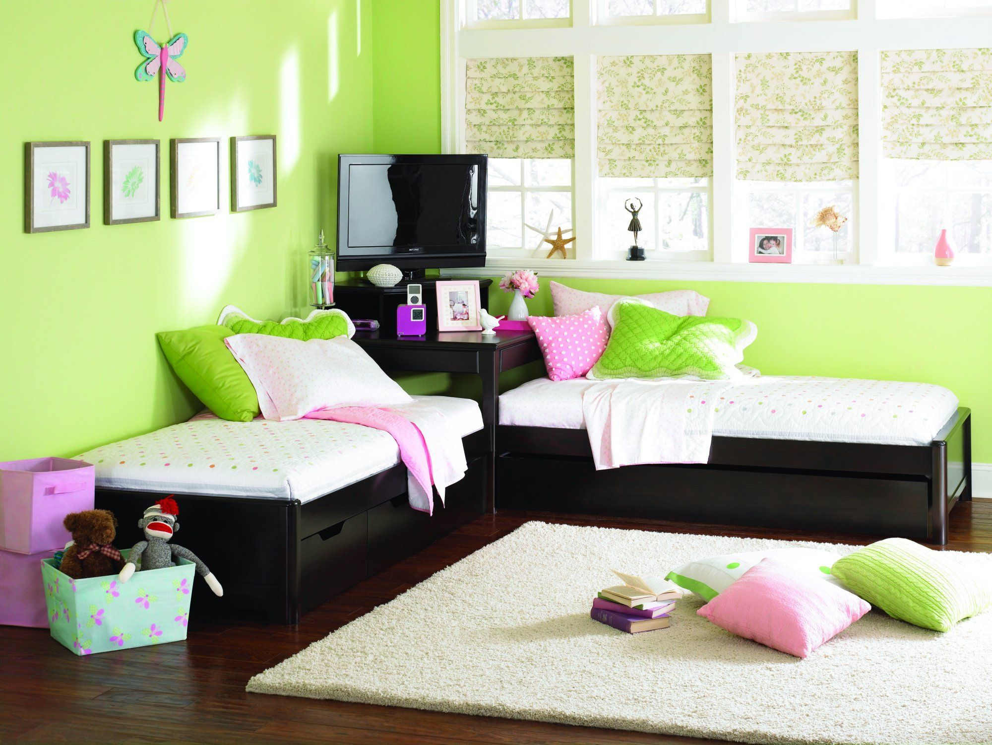 "Feng Shui Kids Bedroom twin l-shaped platform ""look"" beds w/corner unit 