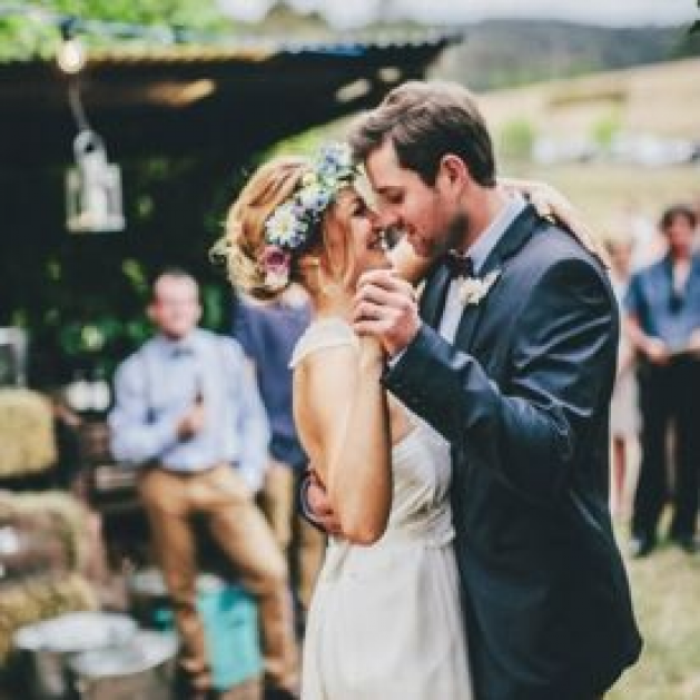 A Practical And Much Needed Guide On How To Seat Divorced Parents At Your Wedding Ceremony Photo Via Birds And Honey Divorce