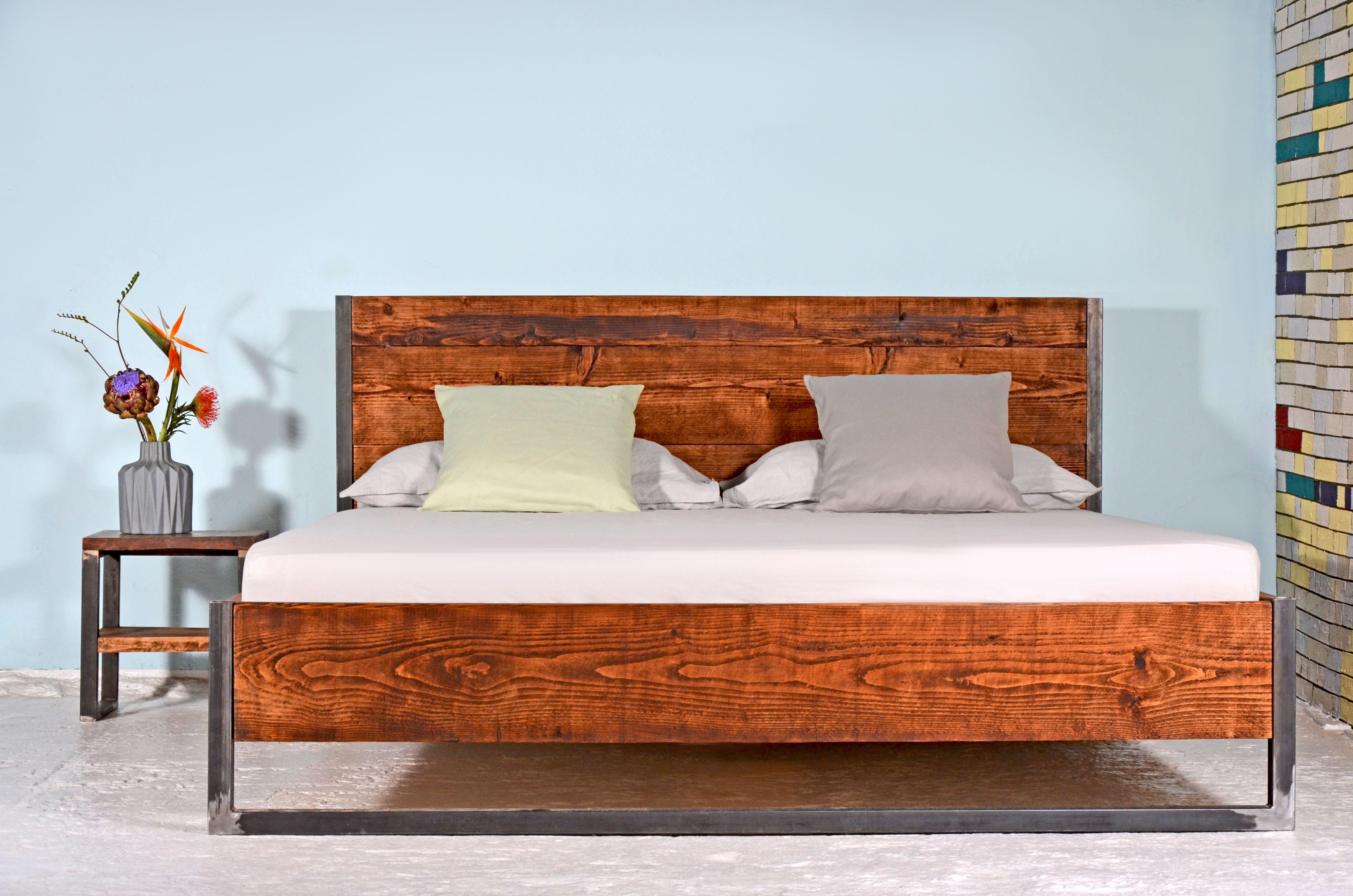 Bett RUSTREL RÄUCHEREICHE | Beds | Pinterest | Bauholz, Bett und Stahl