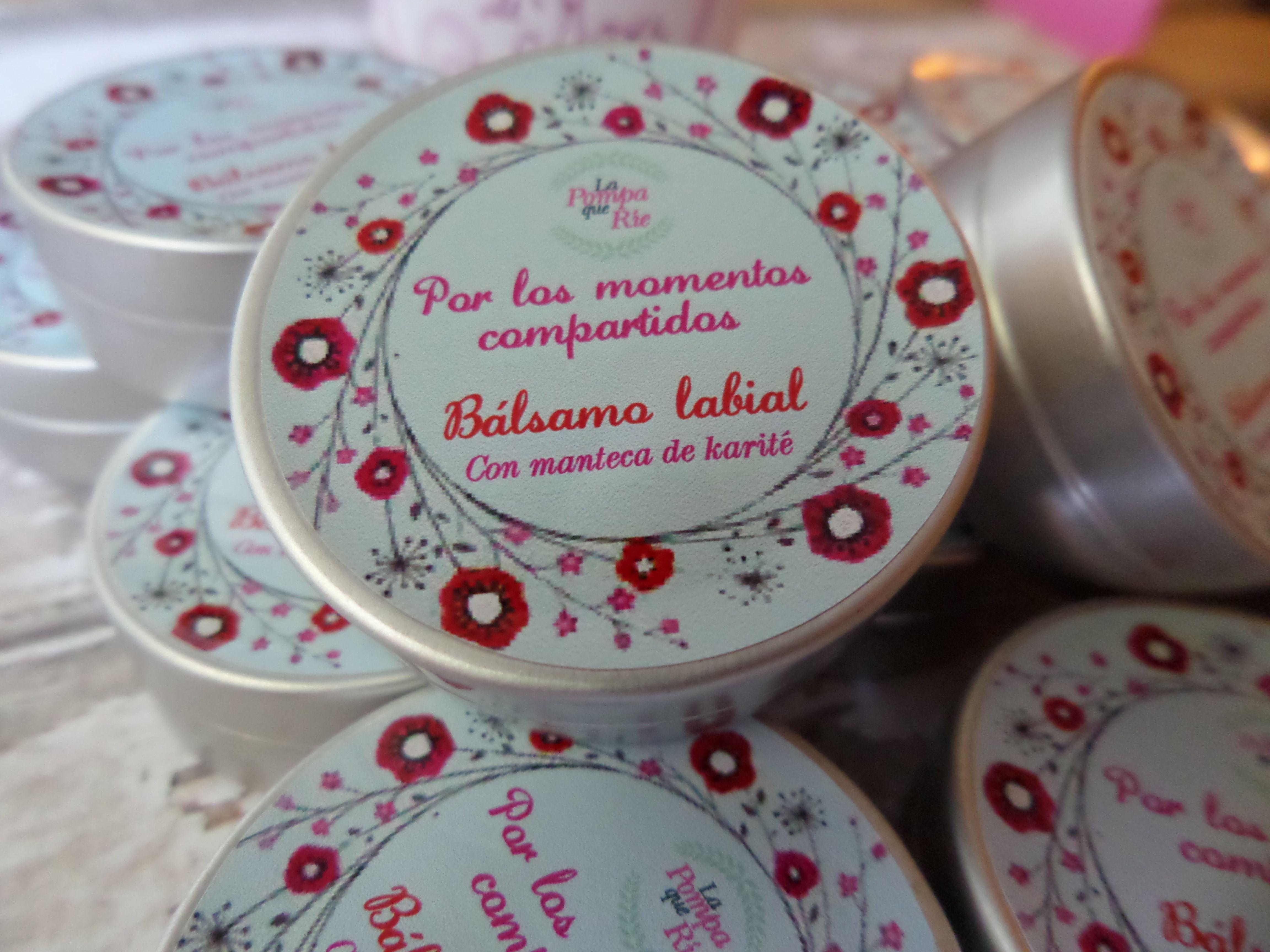 Bálsamos labiales hechos a mano para momentos únicos.  www.lapompaquerie.com