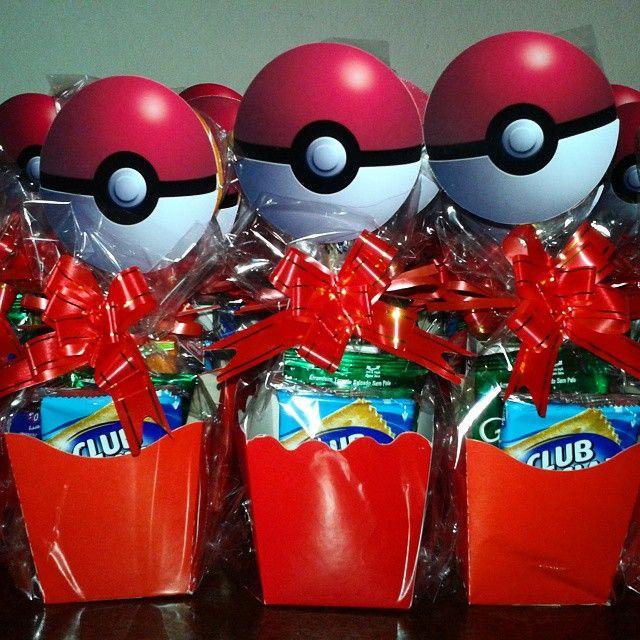 Centro de mesa #pokemon #pokemonparty #festapokemon #centrodemesa #belezamixarte…