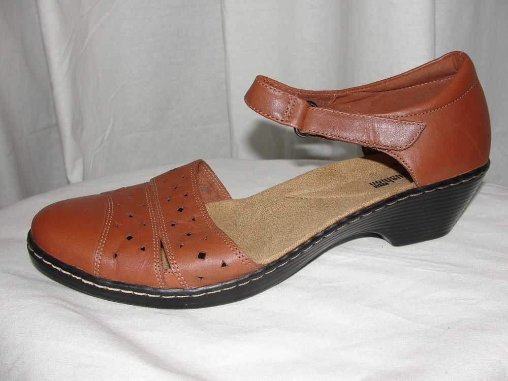 CLARKS Collection Soft Cushion Shoes