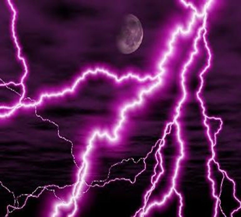 Lightning Strike Moon Light Picture And Wallpaper Purple Lightning Dragon Pictures Lightning