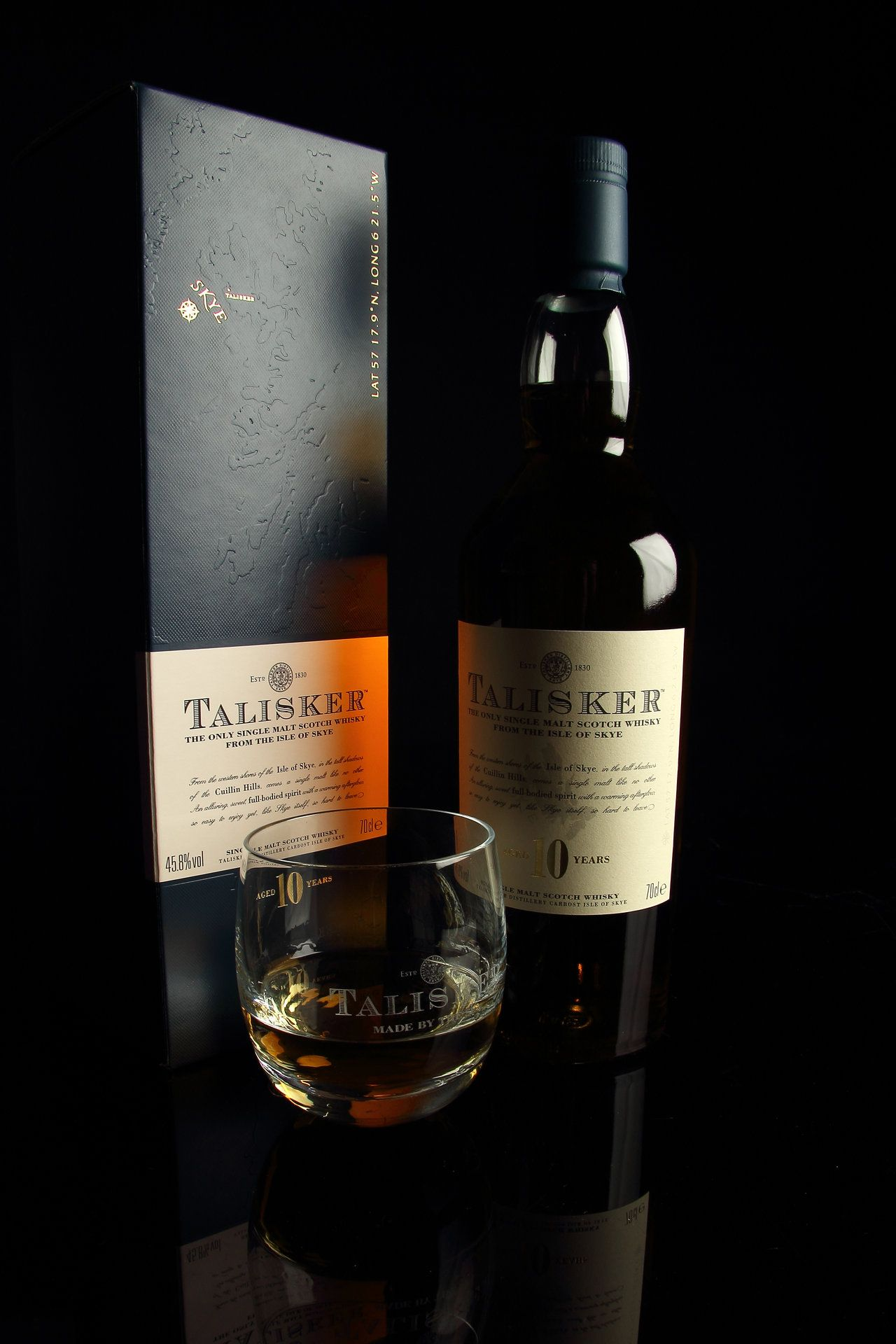 Talisker Whisky 10 Years By Damiankane Deviantart Com On Deviantart Whisky Botellas Whisky Botellas