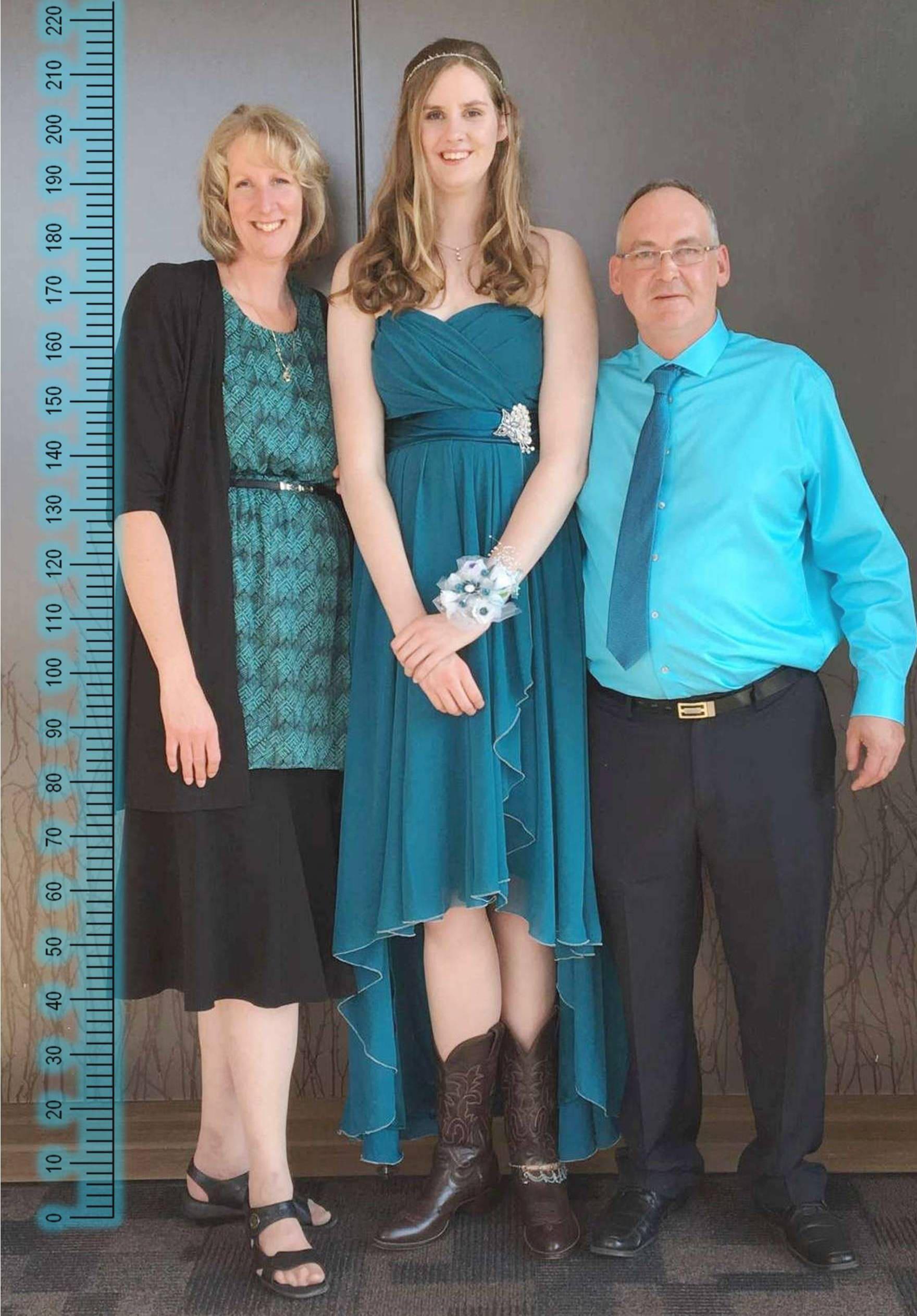 6ft11 5 212cm Tall By Zaratustraelsabio Tall Women Tall People Women With Beautiful Legs