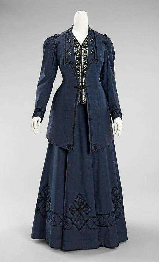 1905-1910 walking suit.
