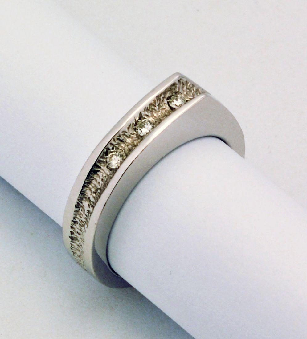 Anello in oro e diamanti - Creazione personalizzata