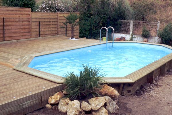 Piscine bois au Bouscat de type Maeva 600 octogonale en 6x3 - local technique de piscine