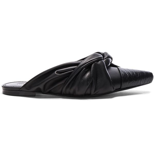 Jil Sander Leather Matisse Flats (1.165 BRL) ❤ liked on Polyvore featuring shoes, flats, toe cap shoes, jil sander shoes, leather flats, genuine leather shoes and croc footwear