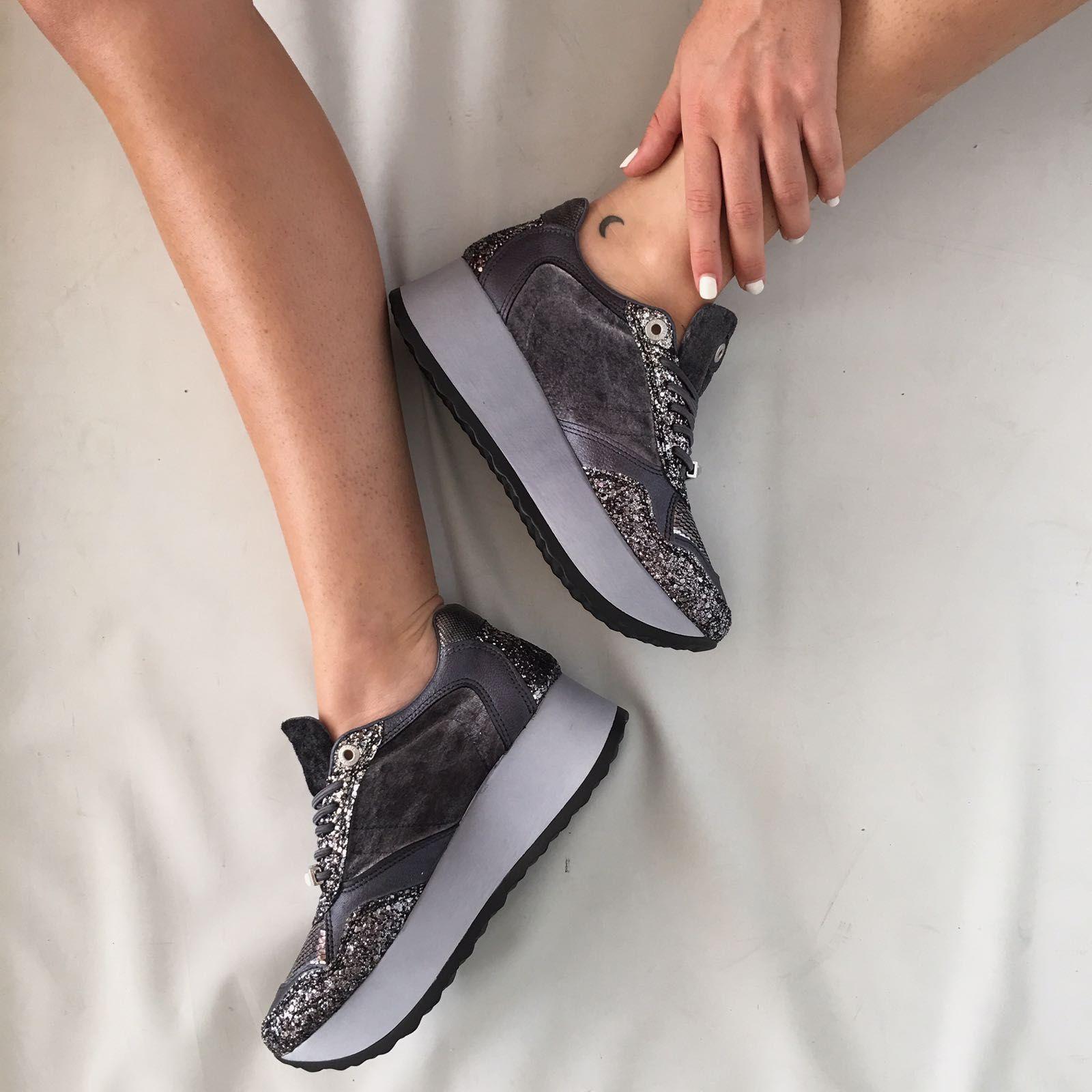2b24bbc7817  BlackFriday 15% Cupón  BLACKFRIDAY17  Sneakers CETTI Maxi Shine con  plataforma y multi