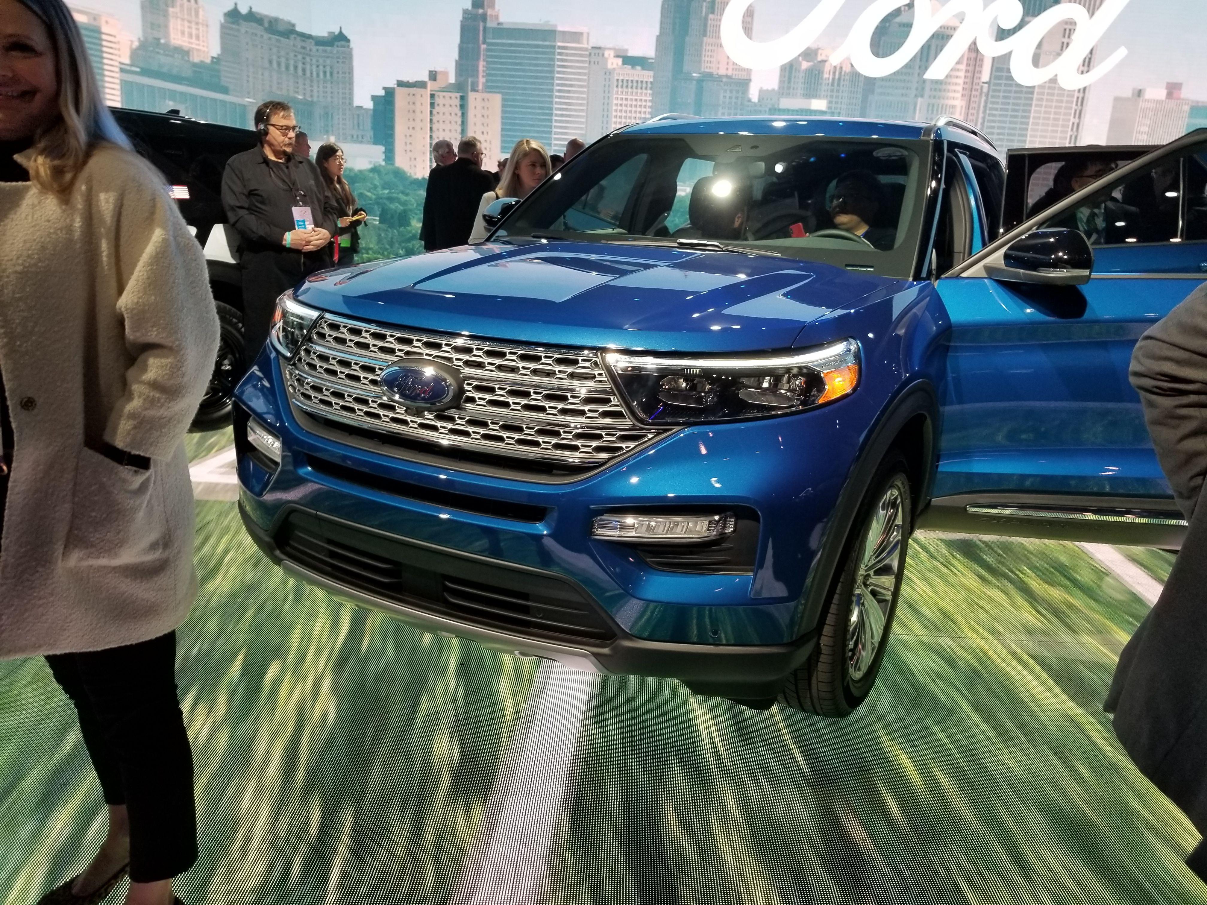 2020 Ford Explorer Hybrid Promises 500 Miles Range 2020 Ford Explorer Ford Explorer Hybrid Ford Explorer
