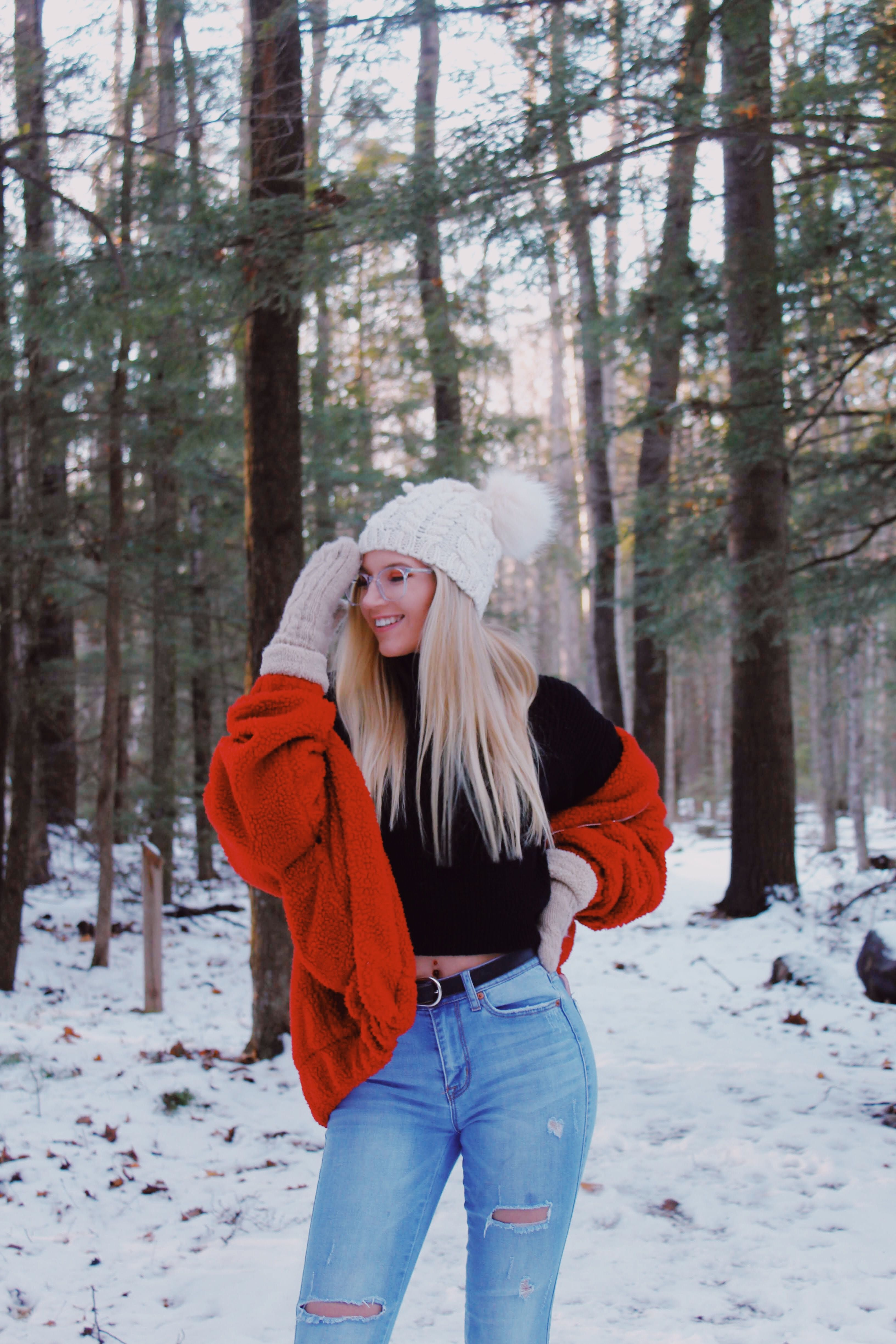 Winter Photo Shoot Ideas For Instagram To Post Winter Photos Photoshoot Poses Photoshoot