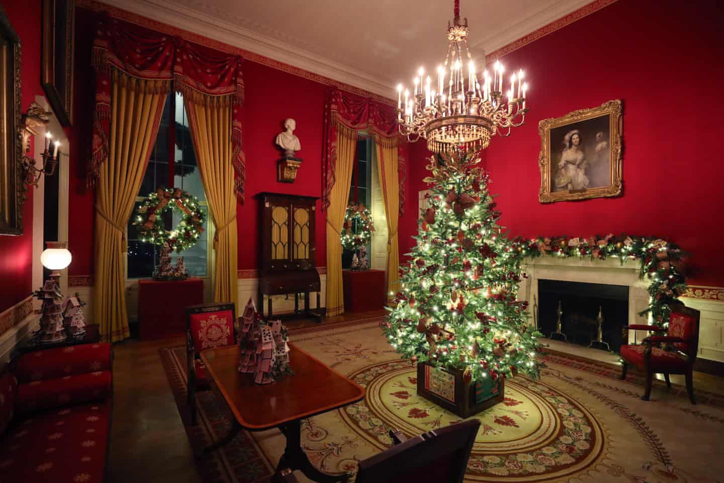 The White House S 2019 Christmas Decorations In Pictures White House Christmas Decorations White House Christmas White House Christmas Tree
