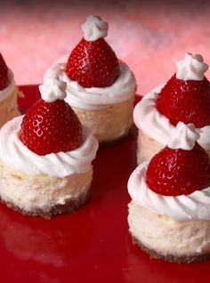 These Mini Santa Cheesecake Bites Will Sleigh You