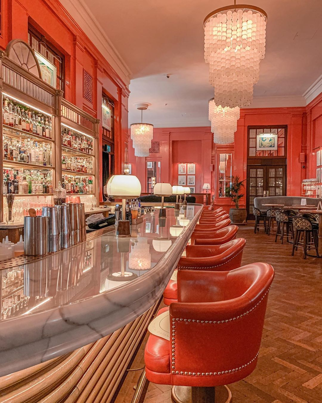 The Coral Room is an eyecatching spot to have beverages and evening tea. The hues are striking and popping!