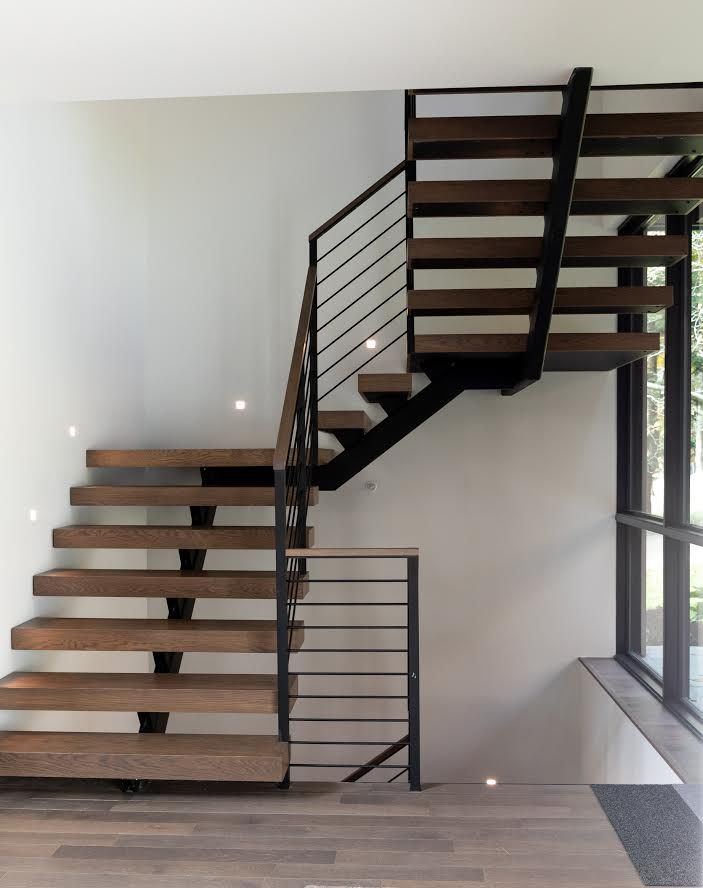 Spindle Floating Stair In 2020 Home Stairs Design Stairs Design Modern Floating Stairs