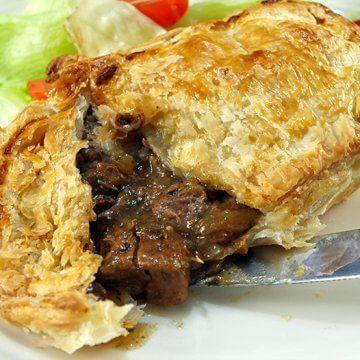 Slow Cooker Steak Pie | Recipe | Pepper steak, Stuffed ...