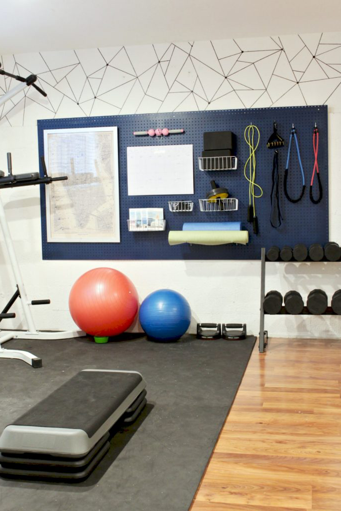 15 Fun Basement Ideas That Will Inspire You To Remodel Gym Room At Home Workout Room Home Home Gym Decor