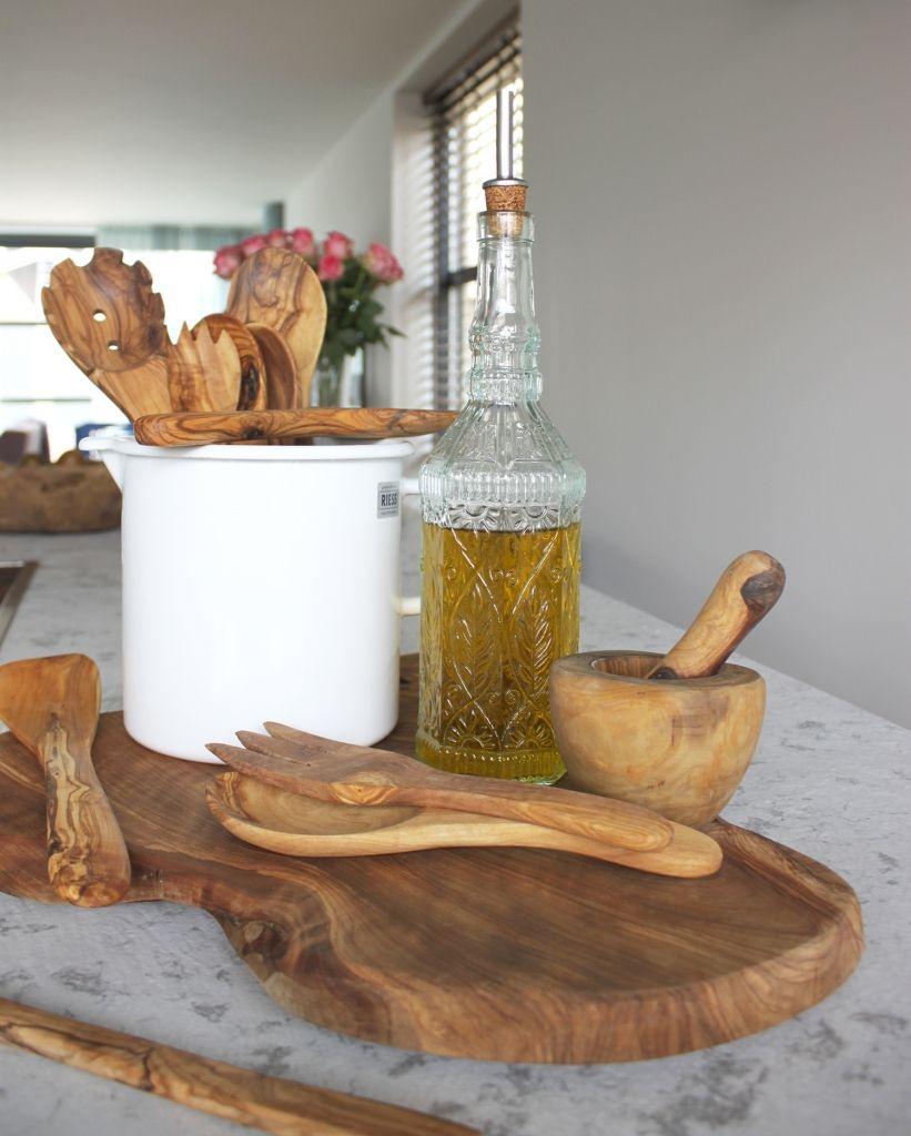 Decoratief fles van gerecycled glas met kurk, handig voor in de keuken met olijfolie of azijn / Living Roots