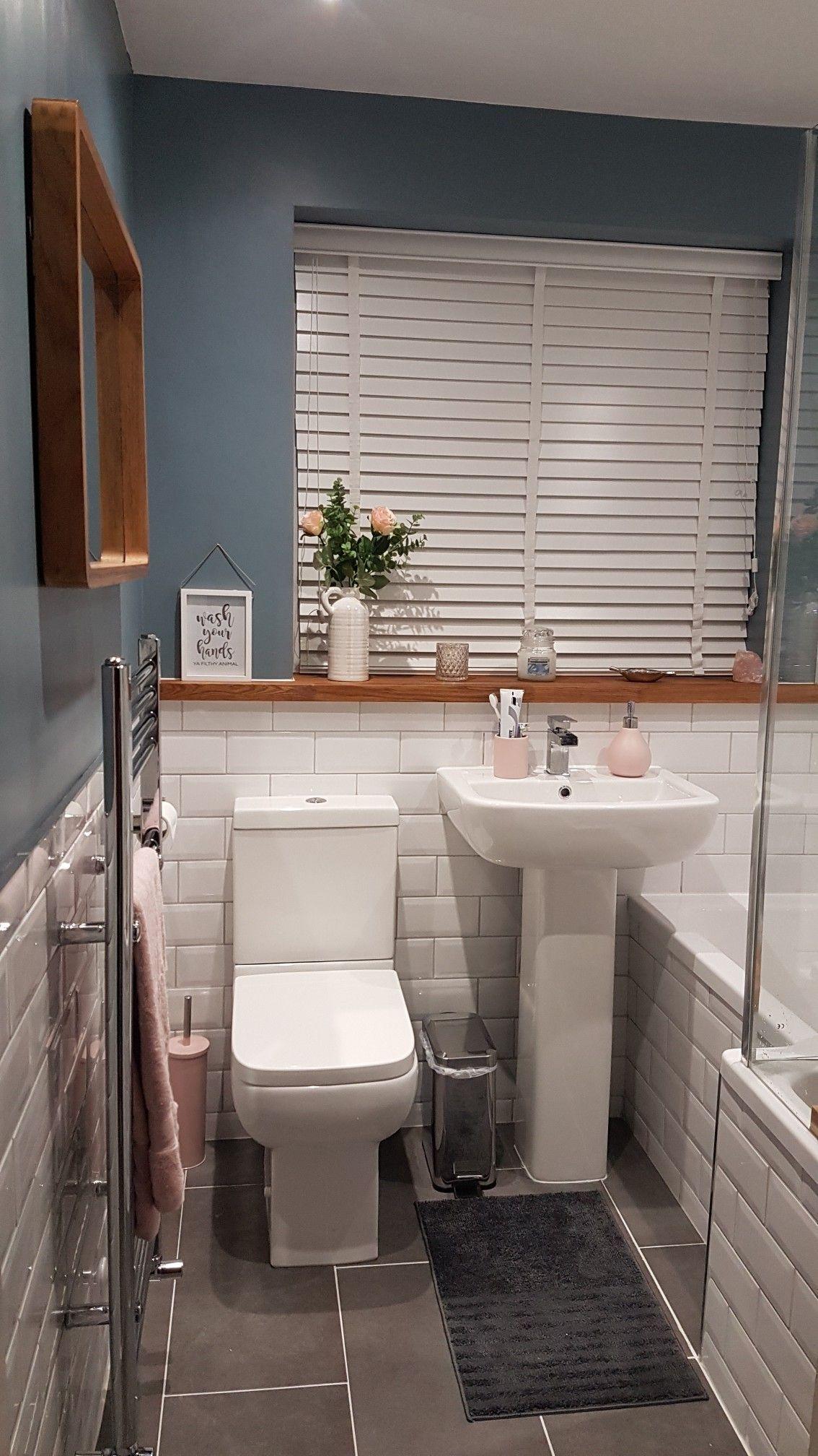 Badezimmer Badmobel Badezimmermobel Badmobel Set Spiegelschrank Bad Badezimmerschrank Badspiegel In 2020 Bathroom Design Small Bathroom Interior Small Bathroom