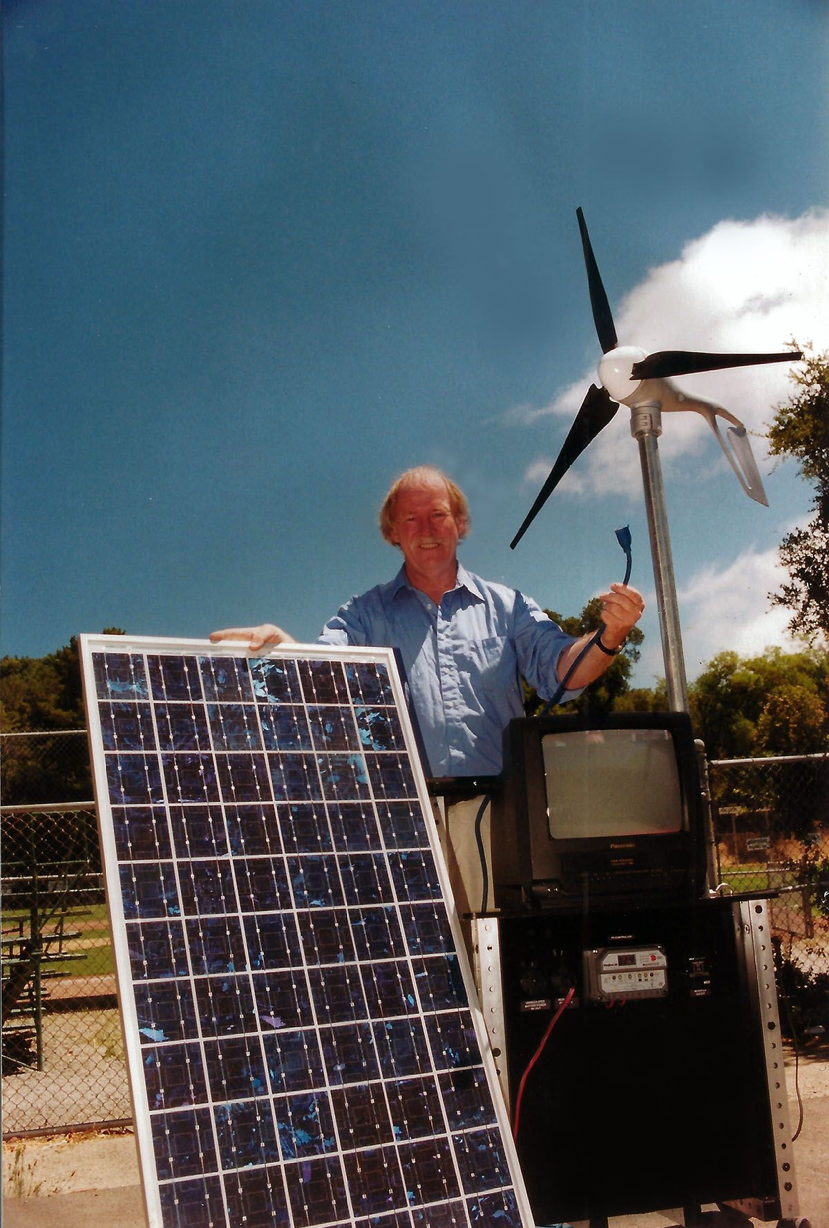 Pacific Sun Cover Shot Reinhold Ziegler With Solar Power Systems Solar Solar Power System Roof Solar Panel