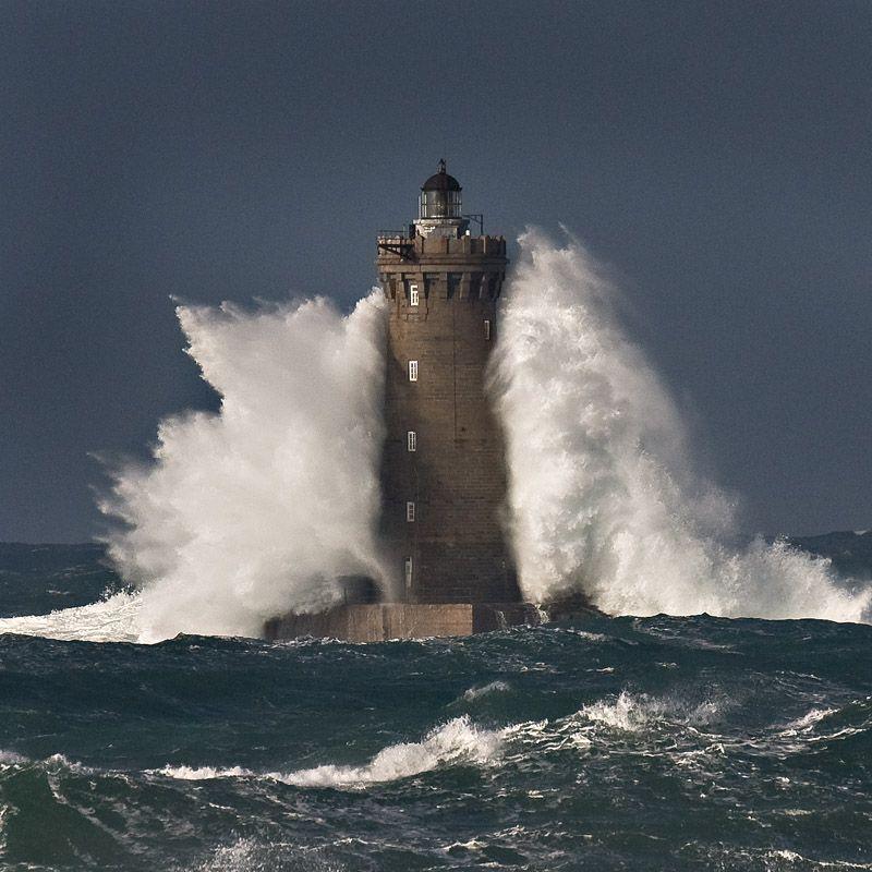 """Résultat de recherche d'images pour """"tempete sur phare en bretagne"""""""